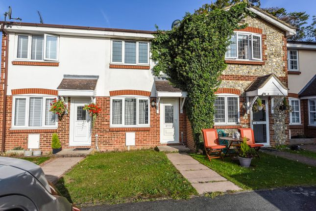 Thumbnail Terraced house for sale in Fiddlers Close, Greenhithe