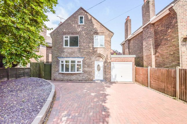 Detached house for sale in Springfield Road, Grantham
