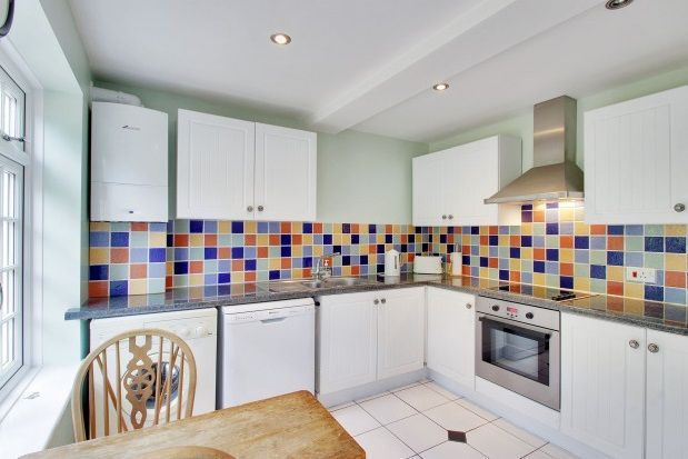 Thumbnail Flat to rent in Langton Road, Tunbridge Wells