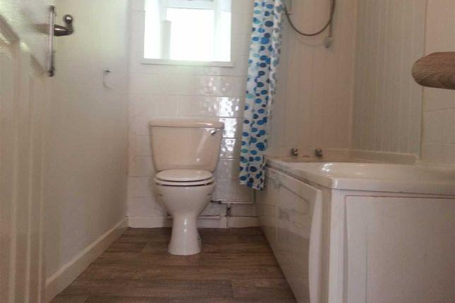 Bathroom 1 of Park Street, Treforest, Pontypridd CF37