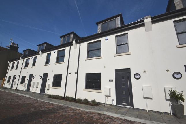 Thumbnail Terraced house to rent in Saw Mill Place, Worthing