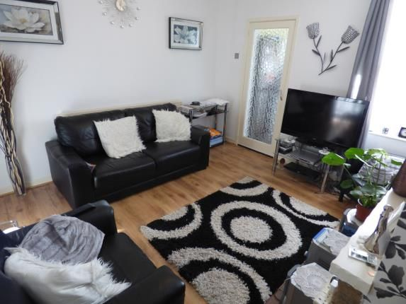 Nottingham road ilkeston de7 3 bedroom property for sale for Bedroom zone nottingham