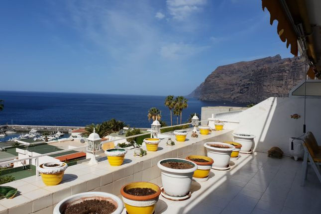 Apartment for sale in Calle Palmera, Los Gigantes, Tenerife, Canary Islands, Spain