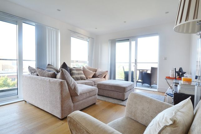 Thumbnail Flat to rent in Downhall Road, Kingston Upon Thames