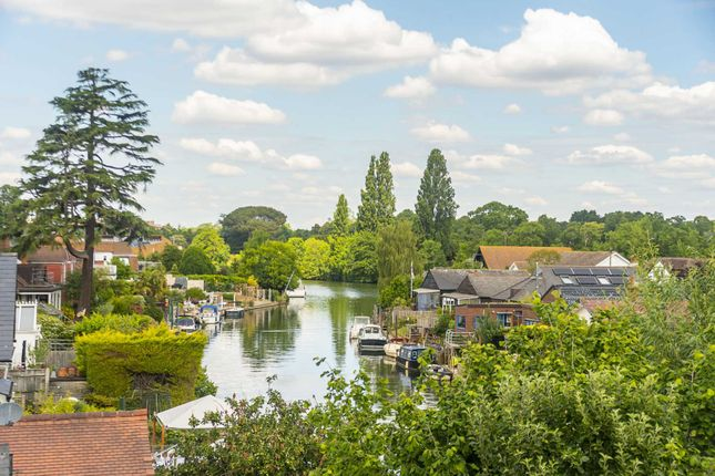 Thumbnail Flat for sale in Taggs Boat Yard, Thames Ditton, Surrey