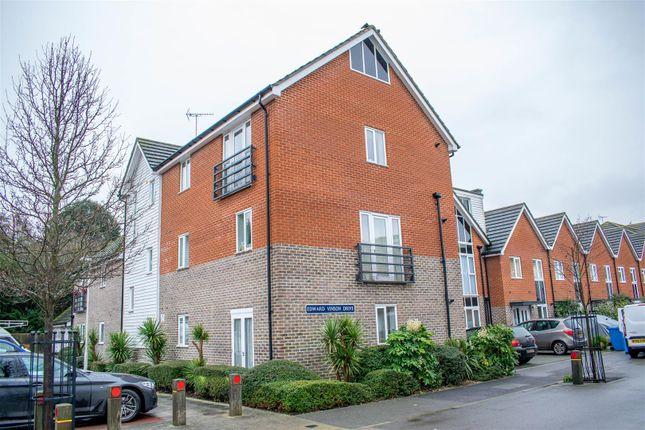 2 bed flat to rent in Edward Vinson Drive, Faversham ME13