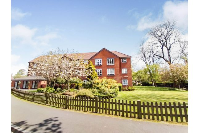 1 bed property for sale in The Spinney, Leeds LS17