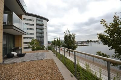 Thumbnail Flat to rent in 2 Basin Approach, Fathom Court, London