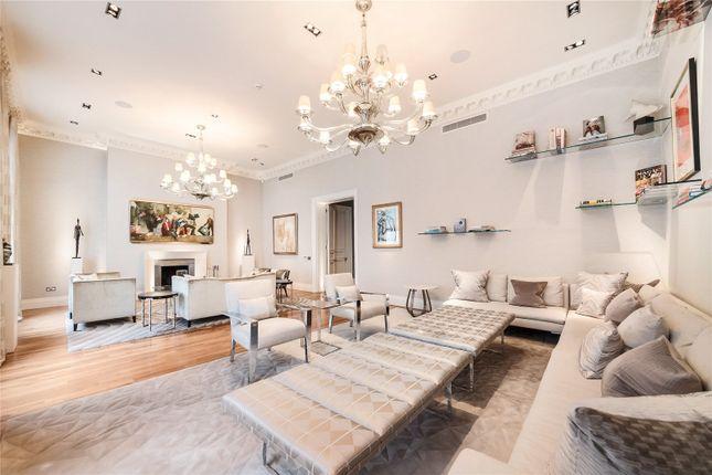 Thumbnail Flat to rent in Upper Grosvenor Street, London