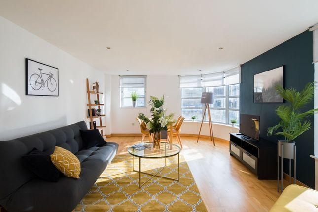 Thumbnail Flat to rent in Leyden Street, London