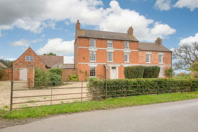 Thumbnail Farmhouse for sale in Woolscott, Rugby