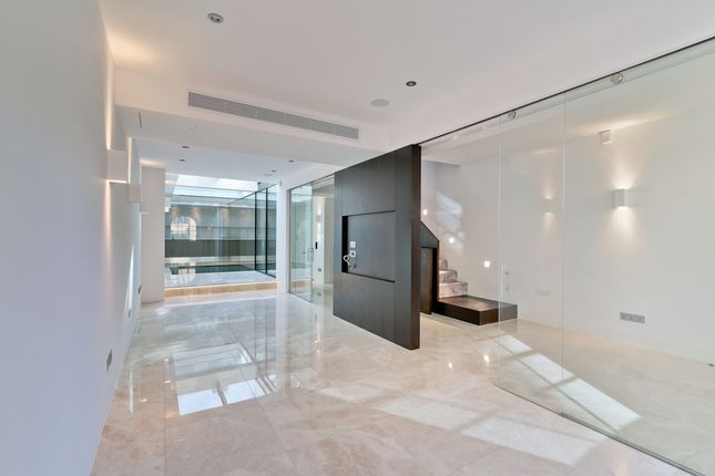 Thumbnail Town house to rent in Wilton Place, Knightsbridge
