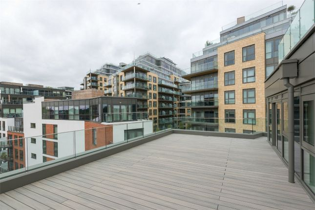 Thumbnail Flat for sale in Elizabeth Apartments, Dickens Yard, London