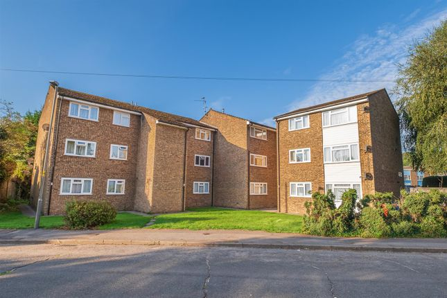 Thumbnail Flat to rent in Winston House, Fennels Road, High Wycombe