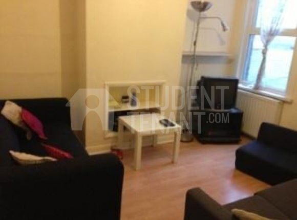 Thumbnail Shared accommodation to rent in James Street, Gillingham, Kent