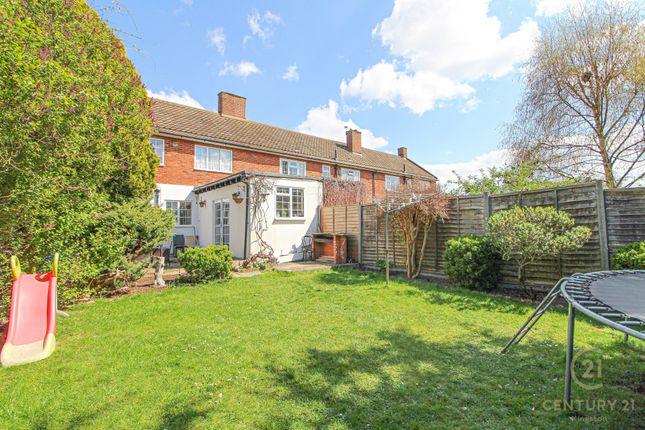 Thumbnail Terraced house for sale in Moor Lane, Chessington