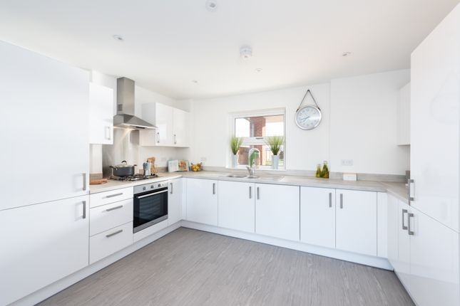 1 bedroom flat for sale in Shopwyke Lake, Tern Crescent, Chichester, West Sussex