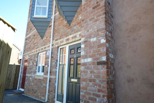 Thumbnail Flat to rent in South Street, Exmouth
