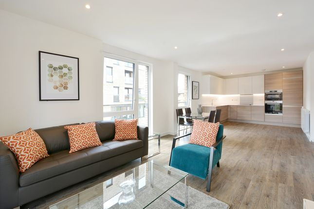 Thumbnail Flat to rent in Quinton Court, Plough Way, London