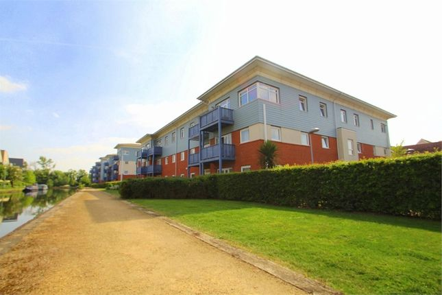 Thumbnail Flat to rent in Wraysbury Drive, Yiewsley, West Drayton