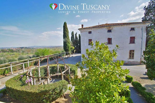 12 bed villa for sale in Via di Martiena, Montepulciano, Siena, Tuscany, Italy