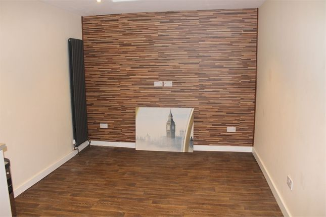 Thumbnail Flat to rent in Browning Way, Hounslow, Greater London