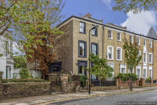Thumbnail End terrace house to rent in Horton Road, London Fields