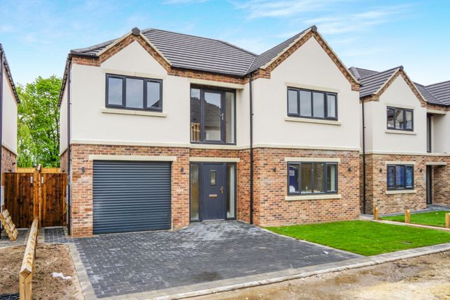Thumbnail Detached house for sale in Merchants Fold, Retford