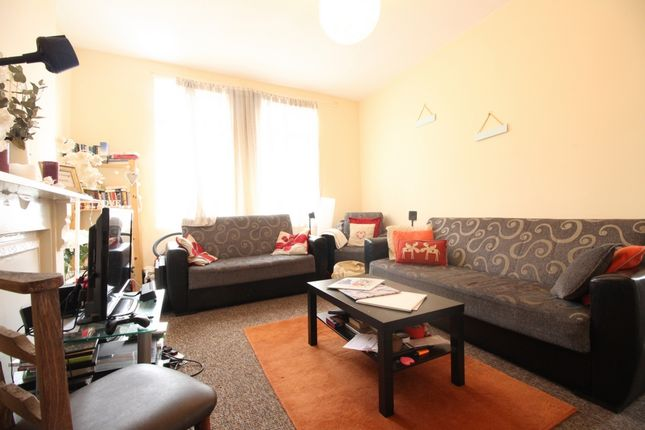Thumbnail Flat to rent in Northwold Road, Stoke Newington