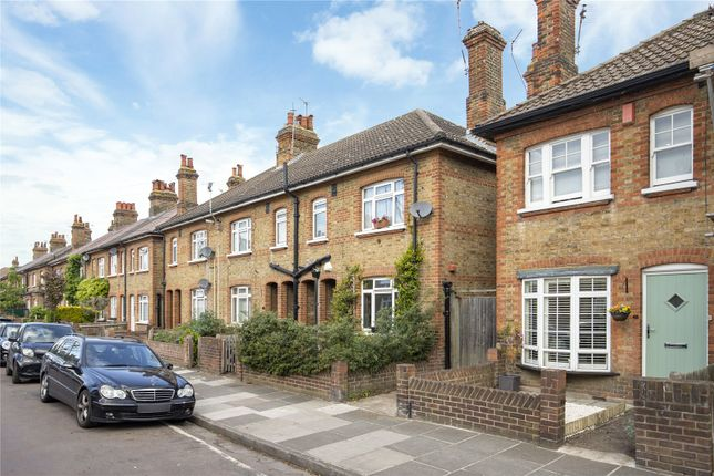 2 bed end terrace house for sale in Manor Grove, Richmond, Surrey TW9