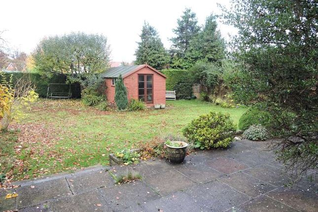 Thumbnail Detached house for sale in Oakdene Close, Bookham, Leatherhead