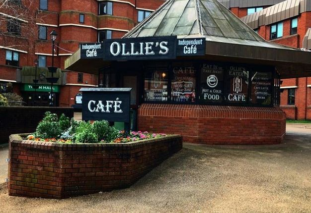Restaurant/cafe for sale in Walter Stranz Square, Redditch