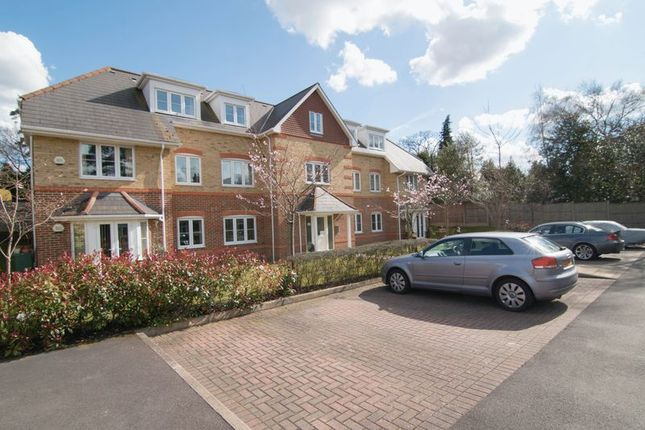 Thumbnail Flat for sale in Badgers Copse, Camberley