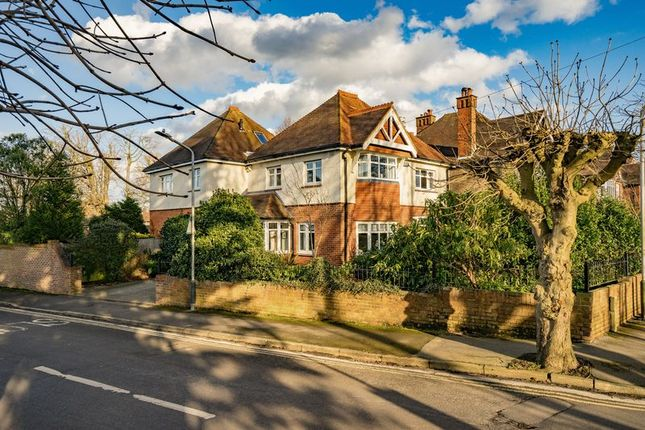 Thumbnail Detached house for sale in Chestnut Avenue, Southborough, Tunbridge Wells