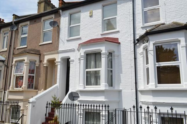 Thumbnail Terraced house to rent in Chesterton Road, London
