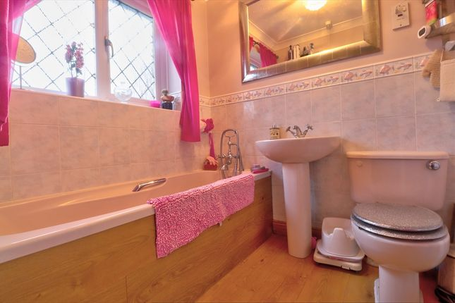 Bathroom of Goodlands Vale, Hedge End, Southampton SO30