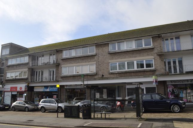 Thumbnail Flat to rent in Hill Avenue, Amersham