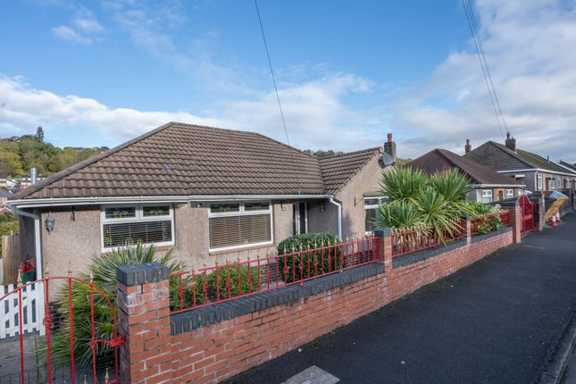 Thumbnail Bungalow for sale in East Grove Road, Newport