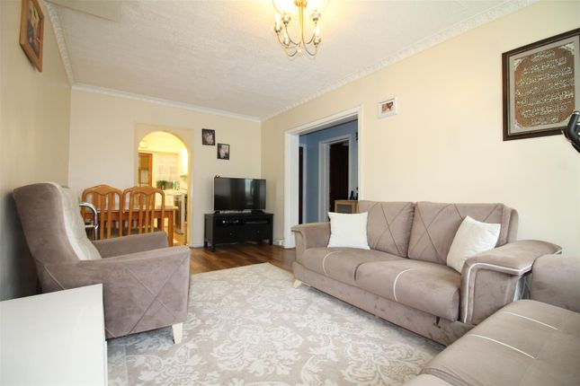 Thumbnail Maisonette for sale in Northumberland Park, London