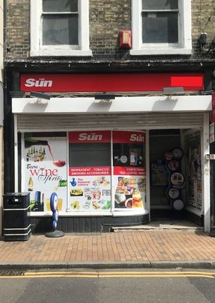 Thumbnail Retail premises for sale in Queen Street, Maidenhead
