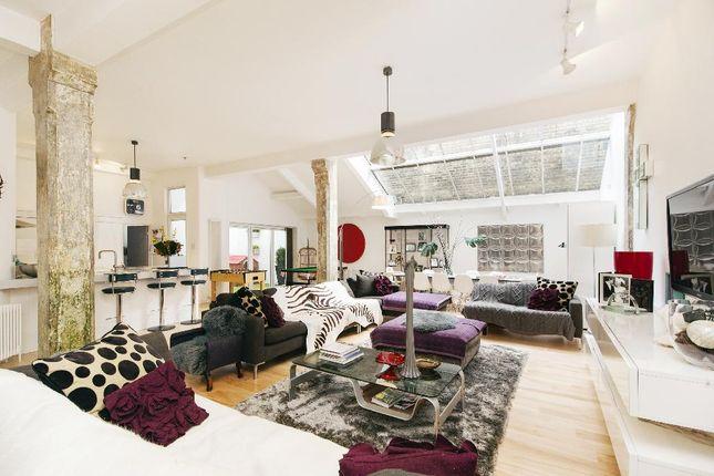 Thumbnail Flat to rent in New Inn Street, London