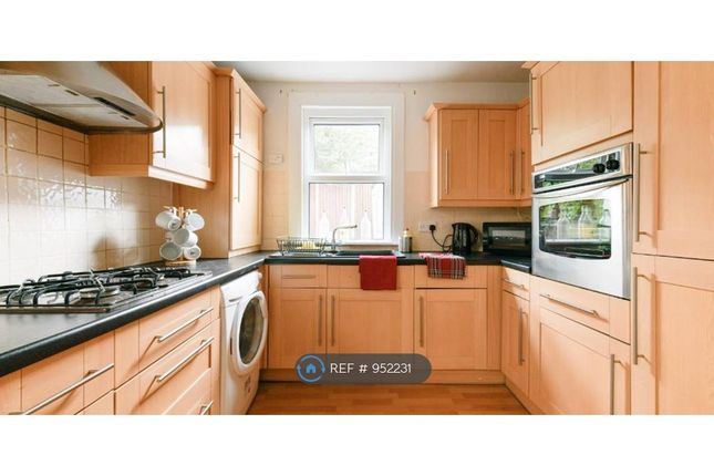 Communal Kitchen of Hiley Road, London NW10