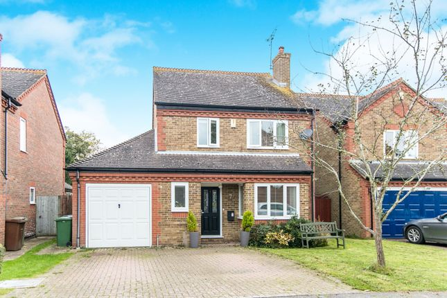 Thumbnail Detached house to rent in Pitch Place, Binfield, Bracknell