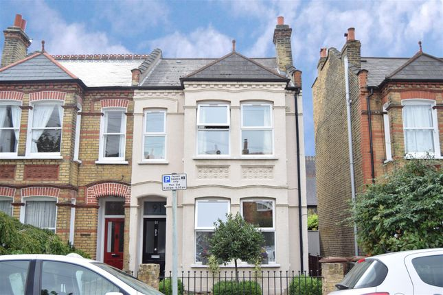 3 bed property for sale in South Park Road, London