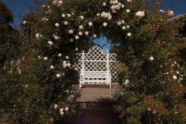 Arbour of Gallery, By Montrose, Angus DD10