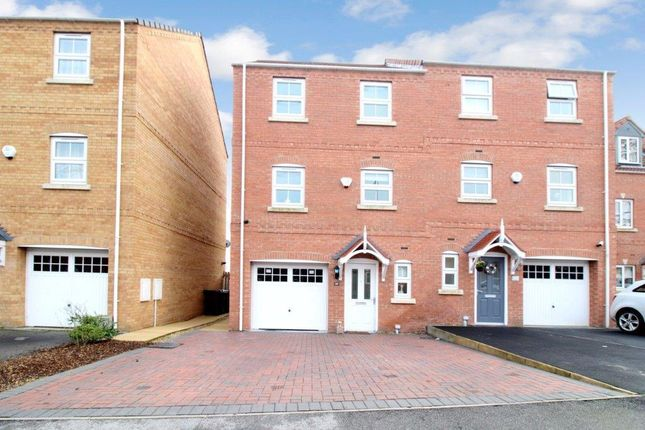 4 bed property for sale in Springfield Road, Lofthouse, Wakefield