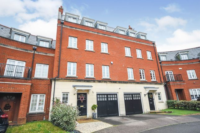 Thumbnail Town house for sale in Osborne Heights, Warley, Brentwood