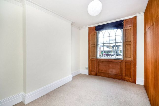 3 bed flat to rent in Caledonian Road, King's Cross