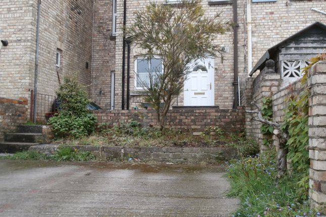 Thumbnail Flat to rent in Alexandra Terrace, Newton Abbot