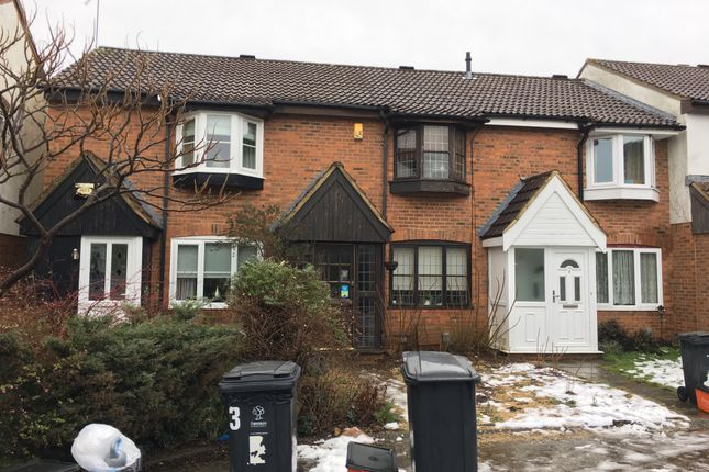 Thumbnail Terraced house to rent in Woodbury Close, Swindon